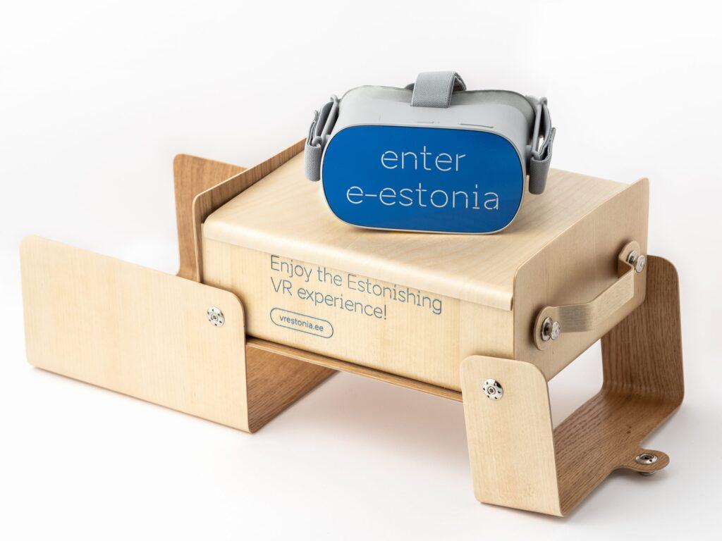 VR estonia goggles box